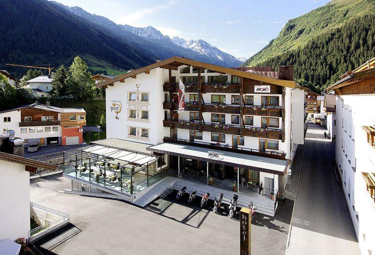 Hotel Post Neugestaltung Terrasse und Vorplatz