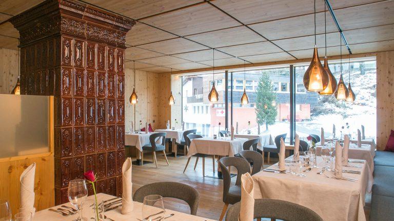Hotel Post Umbau Küche und Speisesaal